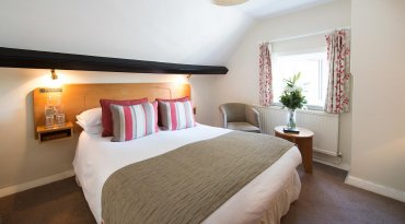 Cosy Dinner, Bed & Breakfast Stay
